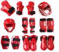 2016 NOVO mergulhado espuma capacetes WKF karatê com protetor facial -