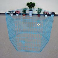 jaula del animal doméstico con negro, azul y rosa -